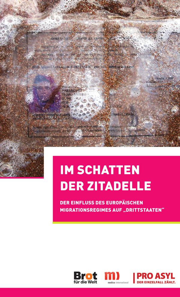 2013-Broschüre-im-Schatten